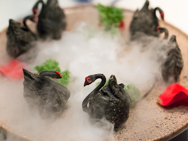 Deep-Fried Swan Dumpling with Black Pepper Duck Meat