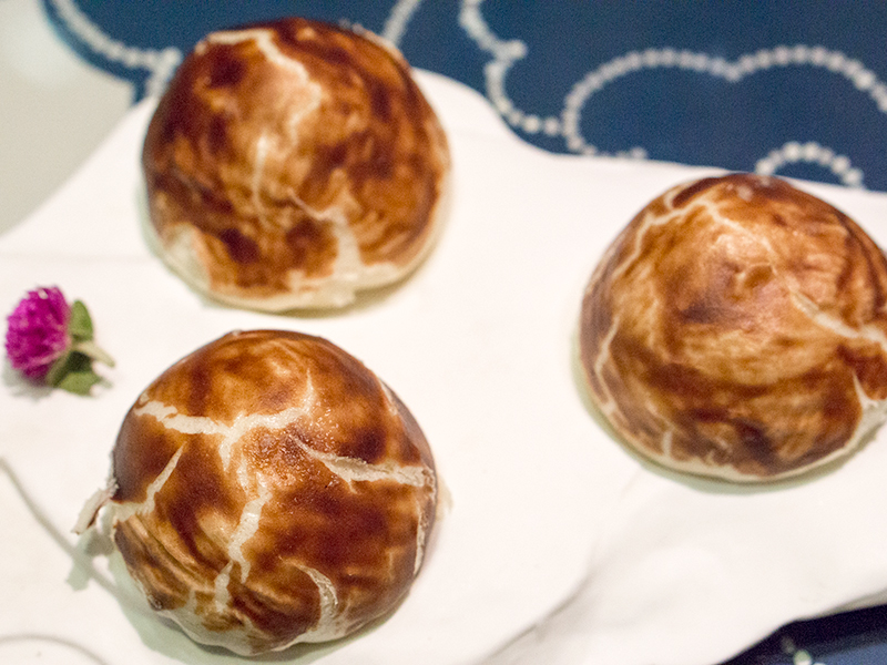 Steamed Mushroom Bun with Foei Gras Filling