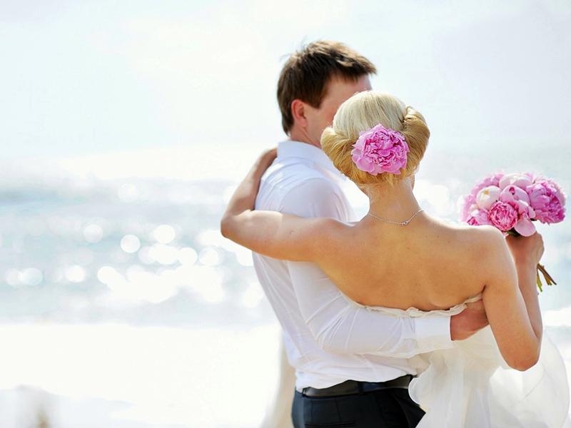 Menikah Muda Akan Membuat Hidup Lebih Bahagia