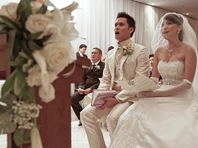 """""""Pernikahan berarti membangun keluarga Tuhan di bumi. Nervous but excited! Setelah empat tahun berpacaran, akhirnya sampai ke pernikahan. Itu semua karena izin Tuhan,"""" jelas Chaca"""