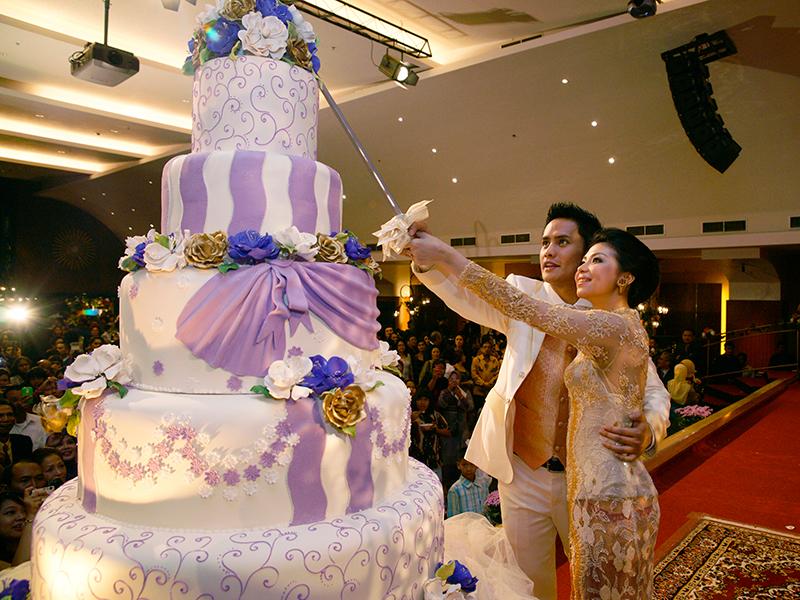 Kue pengantin, elemen penting yang merefleksikan kerja sama Choky dan Chaca