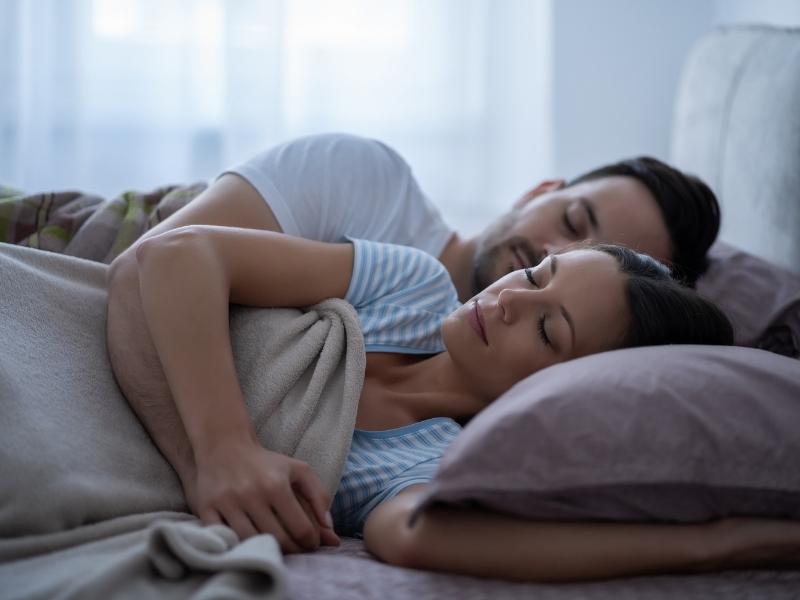 Tidur Nyenyak Tanda Pernikahan Anda Bahagia