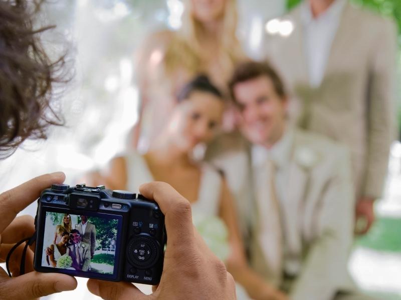 Perlukah Mantan Pacar Diundang ke Pesta Penikahan?