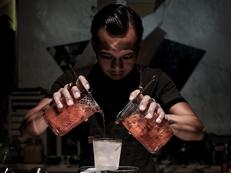 Hong Kong Guest Bartender Agung Prabowo Returns Home to MO Bar at Mandarin Oriental, Jakarta for One Night Only Takeover