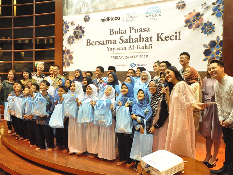 AYANA Midplaza, Jakarta Berbagi Kasih Ramadan Bersama 30 Anak Panti Asuhan Al-Kahfi