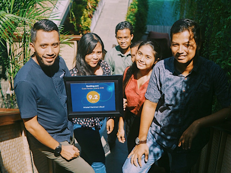 Dedy Santoso, Hotel Manager ARTOTEL Haniman Ubud - Bali and team for Booking.com Guest Review Awards 2018