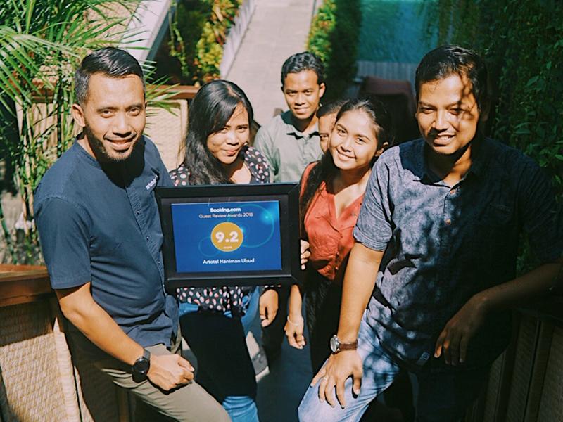 Dedy Santoso, Hotel Manager ARTOTEL Haniman Ubud - Bali and team for Booking.com Guest Review Awards 2018