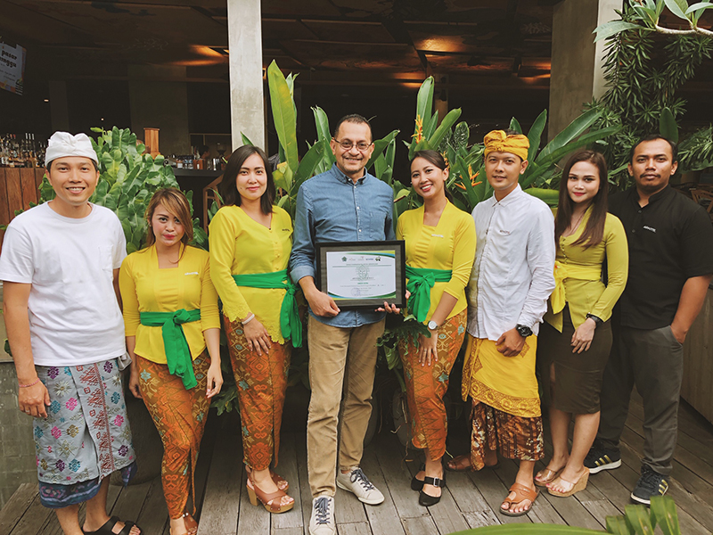 Goya A. Mahmud, General Manager ARTOTEL Sanur - Bali with team for Hotel Green Award