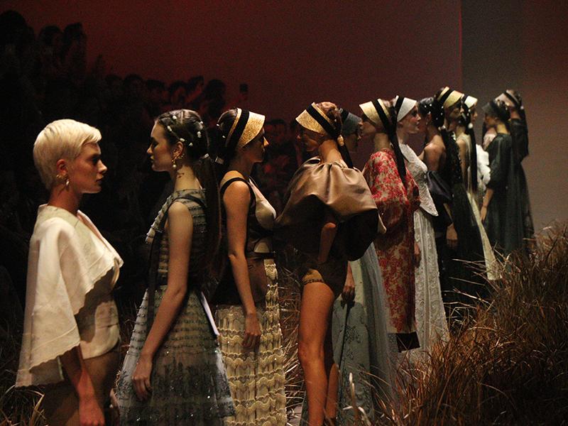 Perjalanan Satu Dekade Hian Tjen : PERFECT10N Couture Show 2019/2020