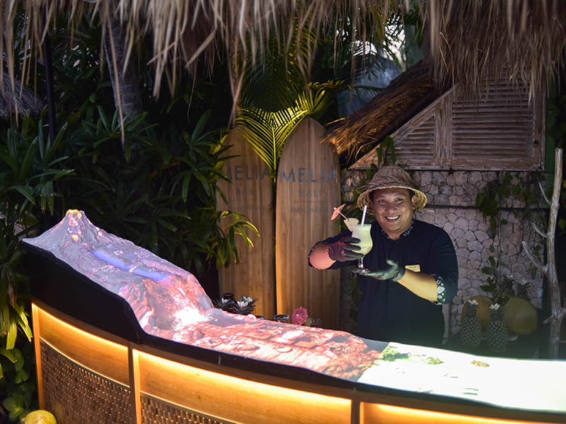 3D Bar : Combining Fresh Piña Colada And Fun 3D Experience