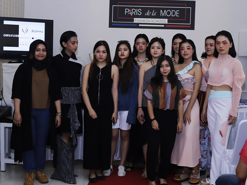 Paris de la Mode Fashion School : Pendidikan Fashion Desain dan Fashion Business